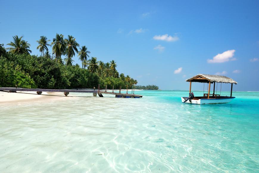 Стоимость острова на мальдивах площадь банияс дубай